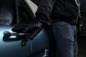 Lietuviai prisidirbo Estijoje: nuteisti už automobilių vagystes
