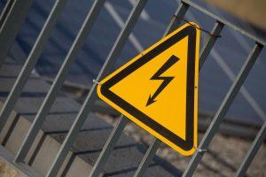 Tragedija: elektra mirtinai nutrenkė du žmones