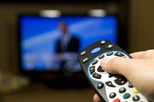 Radijo ir televizijos komisija įspėjo LNK ir TV3