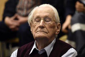 """""""Aušvico buhalteris"""" nuteistas kalėti ketverius metus"""