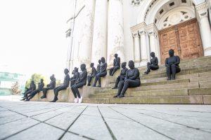 Kaune – nekasdienė socialinė akcija: kas šie juodieji žmogeliukai?