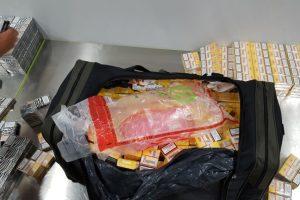 Į Viduržemio jūros kurortą – su pilnais krepšiais kontrabandinių cigarečių