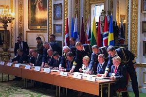 R. Karoblis pasirašė sutartį dėl Jungtinių ekspedicinių pajėgų kūrimo