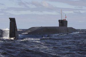 Rusijos povandeninis atomlaivis paleido dvi balistines raketas