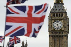 D. Trumpo valstybinis vizitas Britanijoje turėtų būti pakeistas į oficialų