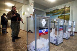 Rusija ir Vakarai surėmė ietis dėl rinkimų Rytų Ukrainoje