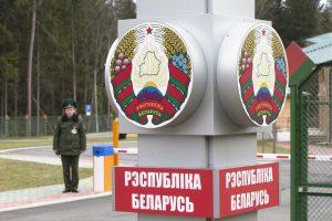 Diplomatai rekomenduoja per Baltarusiją į Rusiją skristi lėktuvu