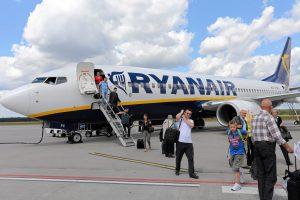 """""""Ryanair"""" nuo vasaros skraidins į Niujorką"""