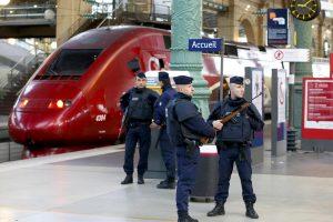 Paryžiuje ir Lilyje bus įrengti saugumo patikros vartai traukinių keleiviams