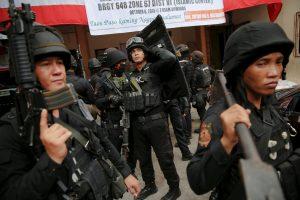 Filipinuose per kruviną susirėmimą žuvo meras ir dar devyni žmonės