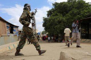 Somalyje per kovas žuvo mažiausiai 25 kariai