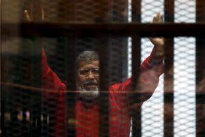 Egipto teismas panaikino mirties nuosprendį nušalintam prezidentui M. Mursi