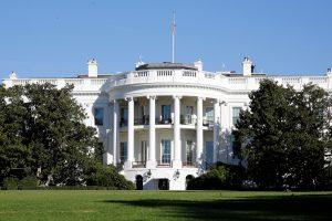 B. Obama pasveikino D. Trumpą ir pakvietė jį į Baltuosius rūmus