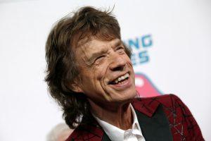73 metų M. Jaggeris vėl tapo tėvu