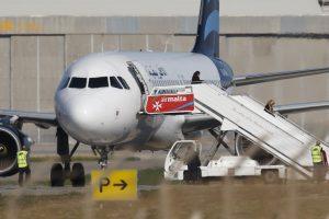 Libijos lėktuvo užgrobėjai pasidavė ir prašo prieglobsčio Maltoje
