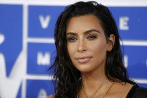 """K. Kardashian """"ruošėsi"""" išprievartavimui per apiplėšimą Paryžiuje"""