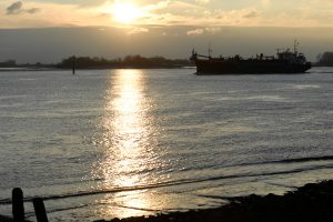 Prie Nigerijos krantų užpultas laivas: septyni rusai ir ukrainietis paimti įkaitais