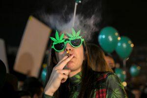 Izraelyje dekriminalizuojamas marihuanos vartojimas