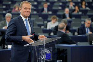 "D. Tuskas: ES neįbaugins Londono grasinimai dėl ""Brexit"""