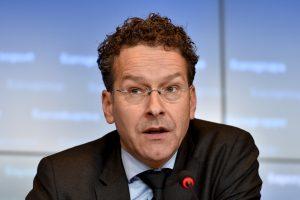 Eurogroupės vadovui – kritika dėl pareiškimo apie gėrimus ir moteris