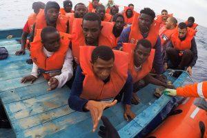 Viduržemio jūroje nuskendus valčiai dingo apie 130 migrantų