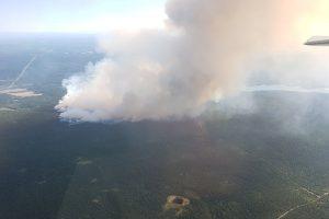 Kanados vakaruose dėl gaisrų paskelbta nepaprastoji padėtis