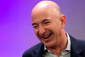 """""""Amazon"""" įkūrėjas tapo turtingiausiu planetos žmogumi"""
