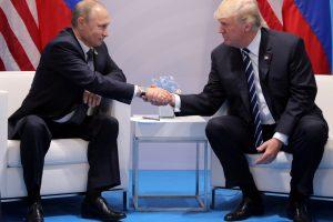 Kas būtų, jei D. Trumpas nutrauktų tyrimą dėl ryšių su Rusija?
