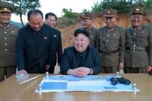 D. Trumpas Šiaurės Korėjai: karinis sprendinys – užtaisytas ir parengtas