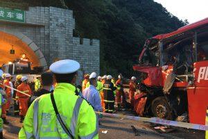 Kinijoje per autobuso avariją žuvo mažiausiai 36 žmonės