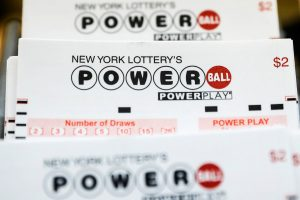 Amerikoje du laimingieji loterijoje laimėjo 750 mln. dolerių