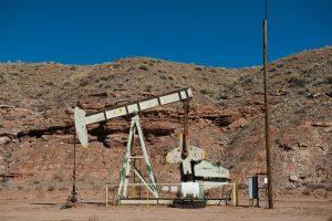 Naftos kainos pakilo į aukščiausią lygį per du metus