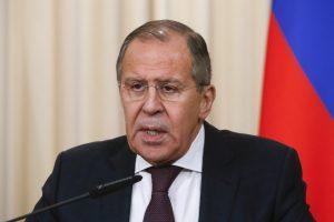 S. Lavrovas ragina labiau rūpintis rusų teisėmis Baltijos šalyse ir Ukrainoje