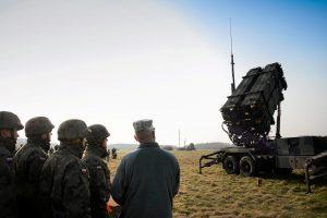 """JAV sveikina sutartį dėl raketų """"Patriot"""" pardavimo Lenkijai"""