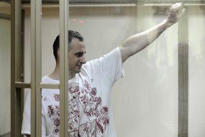 Rusijoje kalinamas ukrainiečių režisierius nutraukė bado streiką