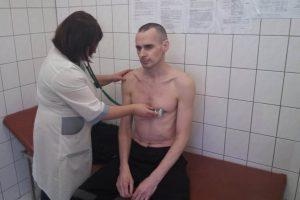 Rusijoje kalinamas O. Sencovas iš ligoninės perkeliamas į bendrąjį skyrių