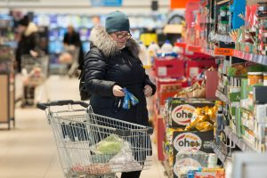 Per Kalėdas dauguma prekybos centrų nedirbs, per kitas šventes trumpins laiką