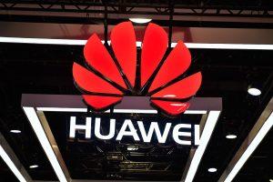 """JAV perspėjimas Europai: neleiskite """"Huawei"""" diegti 5G ryšio"""