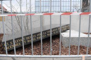 Vandalai išniekino Strasbūro senosios sinagogos paminklinį akmenį