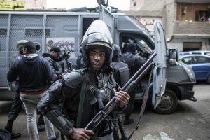 Egipte mirtininkui detonavus užminuotą sunkvežimį žuvo devyni žmonės