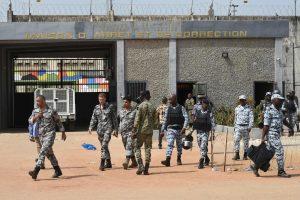Per riaušes kalėjime žuvo mažiausiai dešimt žmonių