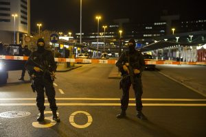 Teroristu pasiskelbęs girtas lenkų benamis stos prieš teismą