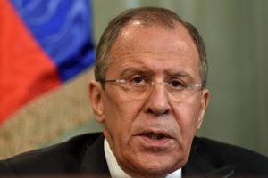 S. Lavrovas: Rusija ir Japonija siekia išspręsti ginčą dėl salų