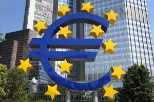 Prekybos karas lėtina euro zonos ekonomiką