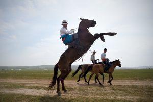 Įsikūrę Mongolijos sostinėje, buvę klajokliai kenčia dar didesnį skurdą