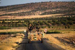 Turkijoje per kurdų ataką žuvo du kariai, aštuoni sužeisti
