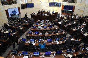 Kolumbijos Senatas pritarė taikos susitarimui su FARC sukilėliais