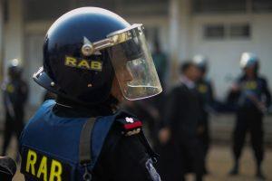 Bangladeše už pagrobimą ir nužudymą myriop nuteisti 26 žmonės