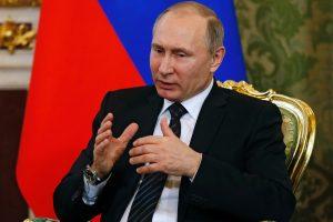 Kremlius teisina sprendimą pripažinti Ukrainos separatistų pasus