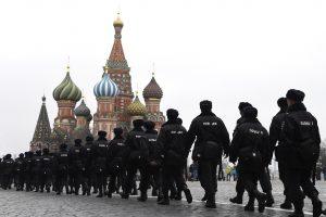"""""""Rusų pavasaris"""": protestai užpelkėjusioje Rusijoje – naujas fenomenas"""